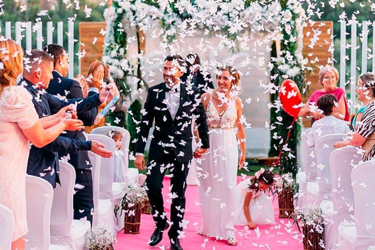 Salida novios boda civil